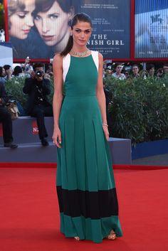 Elisa Sednaoui en robe Fendi sur-mesure