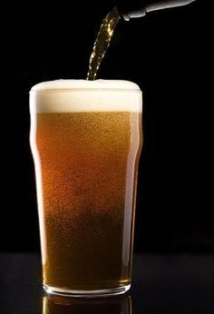 most beers are based on a basic four-ingredient recipe, and undergo a simple brewing process before bringing joy to the parched bar patrons of the world. Beer Brewing Kits, Brewing Recipes, Homebrew Recipes, Beer Recipes, Make Beer At Home, How To Make Beer, Beer Maker, Brew Your Own Beer, Chilled Beer