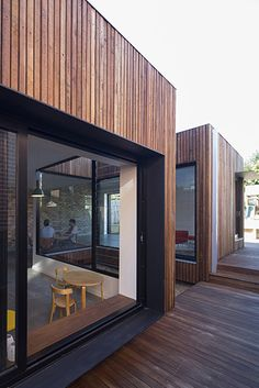 Timber Deck - Timber Deck Cut-away Roof House by Scale Architecture (via Lunchbox Architect) - Roof Cladding, House Cladding, Timber Cladding, Cladding Ideas, Wooden Cladding Exterior, Design Exterior, Facade Design, House Design, Exterior Paint