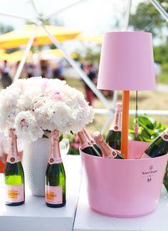 Veuve Clicquot Rosé Champagne