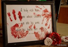 Love this!  Your childrens hand to Dad or Mom what could be a better gift!