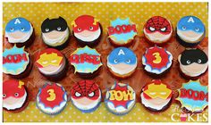 12 super héroe Cupcake Toppers de pastillaje (fondant)