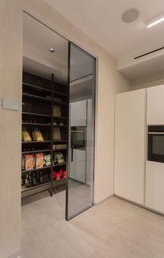 Beautiful Interior Design Ideas For Kitchen - Design della cucina Kitchen Pantry Design, Modern Kitchen Design, Home Decor Kitchen, Kitchen Styling, Interior Design Kitchen, Kitchen Furniture, Farmhouse Style Kitchen, Modern Farmhouse Kitchens, Home Kitchens