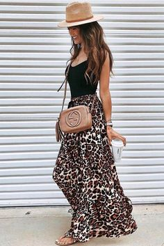 30 Stunning Summer Outfits To Wear Now what to wear with a maxi leopard skirt : straw hat black top slides beige bag Maxi Skirt Outfits, 30 Outfits, Summer Outfits Women, Cool Outfits, Fashion Outfits, Maxi Dresses, Maxi Skirt Outfit Summer, Summer Fashions, Amazing Outfits