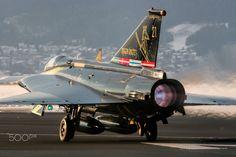 "21 - Saab J35OE Draken - Austrian Air Force - <a href=""http://www.karladrage.co.uk"">My Website</a> | <a href=""https://www.flickr.com/photos/karladrage/"">My Flickr</a> | <a href=""https://www.facebook.com/aviationphotographybykarldrage/"">My Facebook</a> Captain Michael ""Kim"" Kirchner blasts down the Zeltweg runway at the start of his demonstration at the Austrian Air Force's Draken Flyout Ceremony in November 2005."