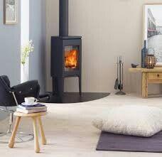 New wood burning stove living room corner log burner ideas Corner Log Burner, Wood Burning Stove Corner, Corner Stove, Wood Burner Fireplace, Fireplace Ideas, Fireplace Mantels, Small Stove, Dark Wood Kitchens, Kitchen Wood