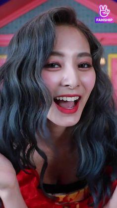 South Korean Girls, Korean Girl Groups, Role Player, Tzuyu Twice, Hair Color And Cut, Beautiful Lips, Feeling Special, Kpop Girls, Asian Girl