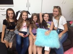 """Maddie Ziegler behind the scened of her """"Mod Angel Christmas"""" photoshoot [2014]"""