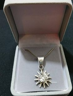 Vintage 925 Sterling Silver Star burst with Cubic Zirconia