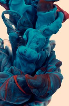 Alberto Seveso's gorgeous high-speed ink and water photographs last year and had my fingers firmly crossed that he would one day work with mixed colours. When I spotted his new series called a due Colori, I fell in love with his work all over again. Dreamy plumes of vibrant colour billowing like fabric underwater?