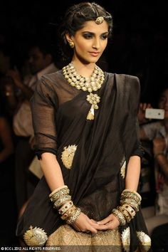 Sonam Kapoor at India International Jewellery Week (IIJW)in Mumbai.