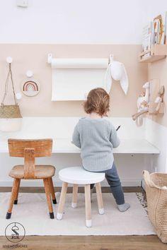 Met deze 3 tips tover jij een mooi kleurvlak op je wand With these 3 tips you will create a beautifu Modern Playroom, Playroom Design, Playroom Decor, Kids Room Design, Playroom Organization, Playroom Ideas, Wall Decor, Bedroom Desk, Girls Bedroom
