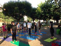 esercizio per il  benessere del collo, #pilatesapotenza Pilates, Basketball Court, Outdoor Decor, Pop Pilates