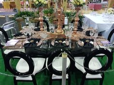 The Wedding Expo Table Top Decor competition entrant March Rideaux d'or Events. Photography by Nic Huisman Photography.