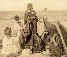 Bedouin family, Iraq, Babylon in 1910.