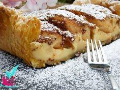 Πεντανοστιμη μηλοπιτα με κρεμα για το καφεδακι σας και οχι μονο.. πανευκολη και γρηγορη στην ετοιμασια της. Η γευση της θυμιζει πολυ την μπουγατσα. Δοκιμαστε την!!! Greek Sweets, Greek Desserts, Apple Desserts, Greek Recipes, Apple Recipes, My Recipes, Cooking Recipes, Sweets Recipes, Candy Recipes