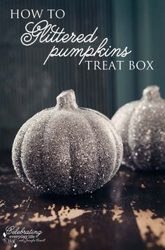 This tutorial will teach you how to make these beautiful glittered pumpkin treat box so that you can hand out a little piece of magic this Halloween.