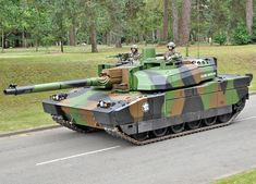 Military Armor, Armored Fighting Vehicle, French Army, Military Vehicles, Around The Worlds, Tanks, Leclerc, Pictures, Modern