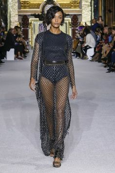 See the full Spring 2018 collection from Balmain.