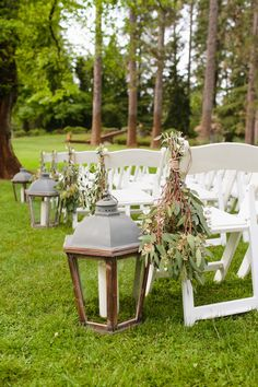 See more pictures from this Grass Valley DIY wedding on WomanGettingMarried.com | Photo by Mason and Megan