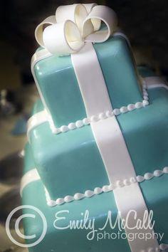 Tiffany Blue Bridal shower or wedding cake Tiffany Wedding Cakes, Tiffany Blue Cakes, Tiffany Blue Weddings, Tiffany Theme, Tiffany Party, Cool Wedding Cakes, Tiffany Box, Wedding Desserts, Cake Pops