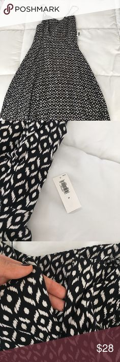 • NWT Black&White Dress • Black and white patterned dress. Zips in back. If you have any questions - feel free to ask! :) Old Navy Dresses Midi