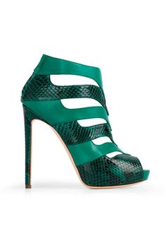 Burak Uyan green Leather & Snakeskin Ankle Boots Fall Would work with my dress! Hot Shoes, Crazy Shoes, Me Too Shoes, Chic Chic, Bootie Boots, Shoe Boots, Ankle Boots, Jimmy Choo, Zapatos Shoes