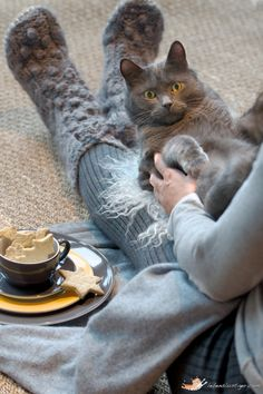 Does it get any better than warm socks, a cup of tea and a furry cat on your lap? I think not!