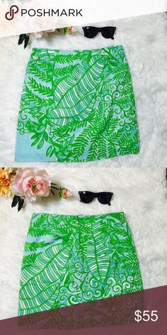 "Lilly Pulitzer Leaves & Ferns Tropical Skirt Tropical beach print with leaves and ferns. Metal zipper located at back with small pockets add comfort. Fully lined. 100% cotton, lining 100% cotton. Flat across & waist: 15"", Top waist to bottom hem: 18"". NWOT Lilly Pulitzer Skirts Mini"