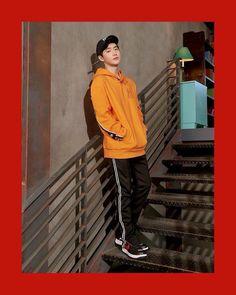 'MLB Korea' has dropped more athletic pictorial photos of EXO!They're dressed in the spring season's caps along with other sporty street fash… Chanyeol, Kyungsoo, Chen, Exo Korea, Exo Album, Kim Jong Dae, Kim Minseok, Wattpad, Kim Junmyeon