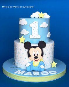 Baby mickey mouse - cake by Mariana Frascella - CakesDecor Mickey Mouse Torte, Festa Mickey Baby, Mickey Birthday Cakes, Boys First Birthday Cake, Mickey Mouse First Birthday, Minnie Cake, Mickey Cakes, Birthday Kids, Cake Birthday