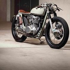 The @vagabund_moto Honda CB450 Cafe Racer. Our latest featured build on the @returnofthecaferacers ...
