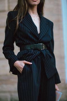 minimalist outfit ideas for fall Source by ADaesthetics Fashion Moda, Suit Fashion, Fashion Week, Look Fashion, Fashion Outfits, Fashion Tips, Feminine Fashion, Fashion Images, Fashion Websites