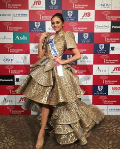 Posts about Kylie Verzosa written by Norman Bride Reception Dresses, Grad Dresses, Nice Dresses, Wedding Dresses, Philippines Dress, Philippines Fashion, Philippines Culture, Modern Filipiniana Gown, Filipiniana Wedding
