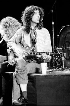 Jimmy Page at rehearsal in Minneapolis, 1975