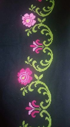 This Pin was discovered by nil Cross Stitch Borders, Cross Stitch Flowers, Cross Stitch Designs, Cross Stitch Patterns, Handicraft, Needlework, Projects To Try, Floral, Bath Linens