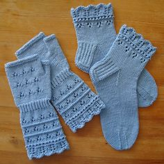 free lace knit pattern fingerless gloves and socks