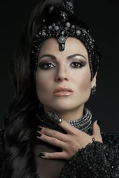 ༻✿༺ ❤️ ༻✿༺ Once Upon A Time - The Evil Queen Regina Mills (Lana Parrilla) ༻✿༺ ❤️ ༻✿༺ Once Upon A Time, Killian Jones, Regina Evil Queen, Regina Ouat, Pretty Little Liars, Gossip Girl, Evil Queen Makeup, Eion Bailey, Shadowhunters