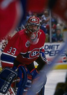 : Patrick Roy : used to play for the Colorado Avalanche and was in my opinion one of the best players they ever had. Hockey Memes, Hockey Goalie, Ice Hockey, Wallpaper Toronto, Nhl Wallpaper, Montreal Canadiens, Patrick Roy, Saint Patrick, Goalie Mask