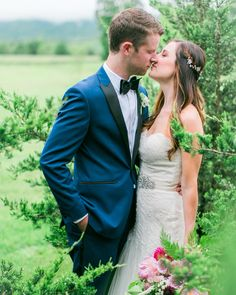 Vineyard wedding in spring with a beautiful couple | Veritas Winery |: Melissa Barrick Photography #loveletterbride