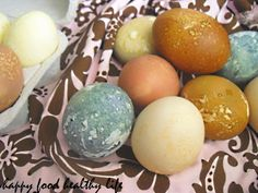 Easter Eggs, dyed naturally - and a great tip for cooking your eggs in the oven!