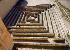 laberint by matilde.m.s, via Flickr  A close up of the maze at Lithica