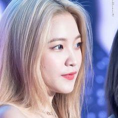 South Korean Girls, Korean Girl Groups, Kim Yerim, Sooyoung, Seulgi, Aesthetic Art, Red Velvet, Blonde Hair, Alter Ego