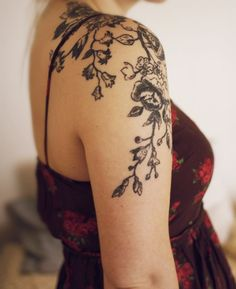 Floral Shoulder Tattoo http://tattoos-ideas.net/floral-shoulder-tattoo/ Arm Tattoos, Flowers Tattoos, Girly Tattoos, Sleeve Tattoos