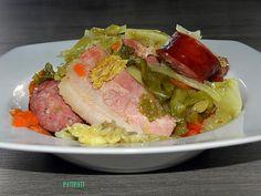 La meilleure recette de La bonne odeur de la cuisine de ma Maman et le froid qui arrive m'inspire une recette de potée! L'essayer, c'est l'adopter! 5.0/5 (5 votes), 12 Commentaires. Ingrédients: - 1 chou frisé - 3 belles carottes - 15 pomme de terre - 5 tranches de lard braisé - 1/2 collier gaumais - 2 oignons, 3 éclats d'ail - bouillon de viande - beurre, poivre
