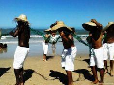 Um dia de capoeira na Praia dos Coqueiros - Bahia
