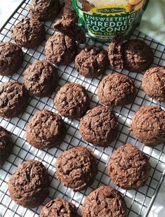 Find and share everyday delicious and quick recipes. Perfect food and drink ideas Valentines Day Treats, Shredded Coconut, Soft Light, Organic Recipes, Chocolate Chip Cookies, Sugar, Natural, Sweet, Desserts