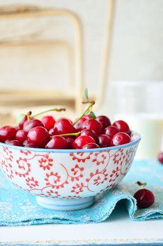 Dalmatia Gourmande: Crumble s višnjama i kokosovim mlijekom/Sour cherry & Coconut milk Crumble