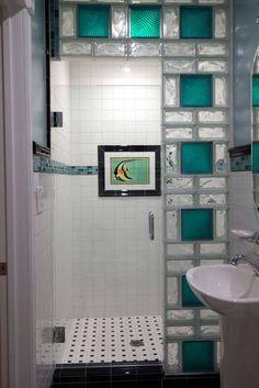 blocos de vidro colorido box de banheiro