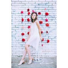 model: @majaroux , flower crown: @flowerpowerjewelry , MUA: @lemakeupfreak, PHOTO: me, #photography #flowerpower #flowers #model #boho #flowerwall